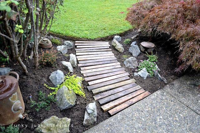 Pallet Slat Pathway