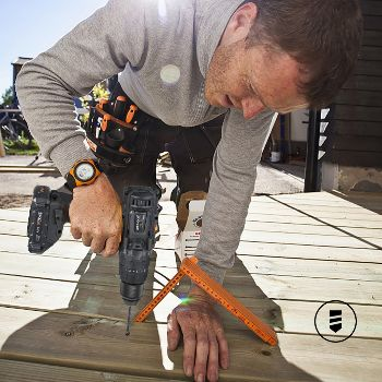 Cordless Drill Screwing