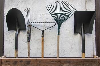 garden tools hanging