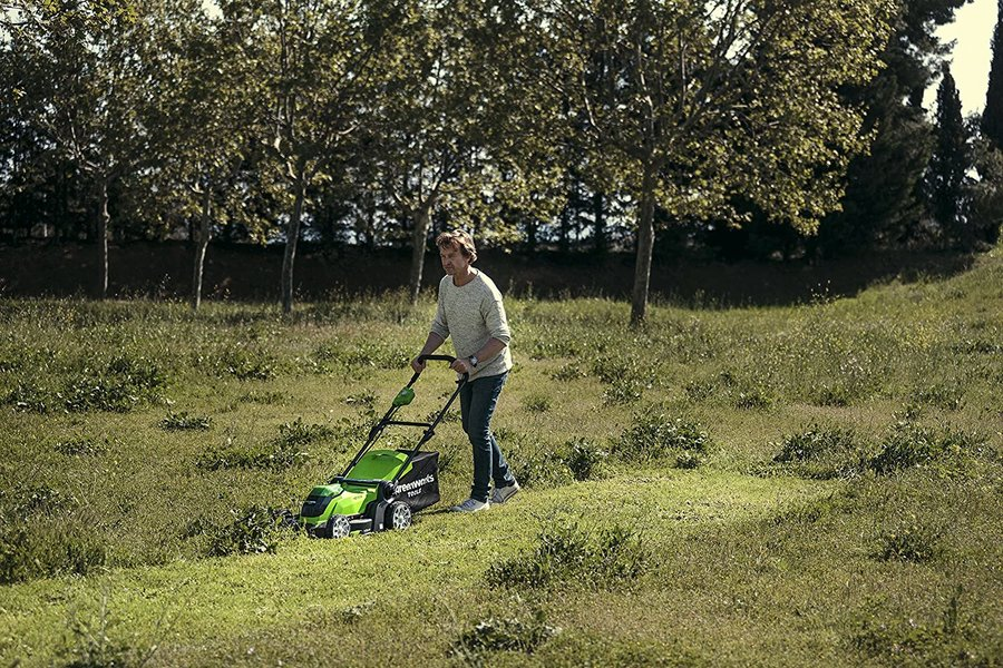Greenworks G40LM41 40V mower