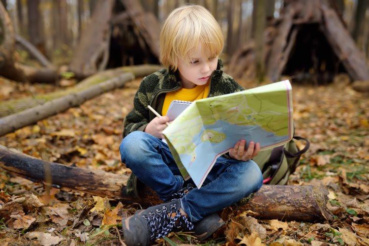 Child on treasure hunt