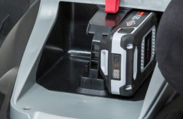 Dual battery pack holder